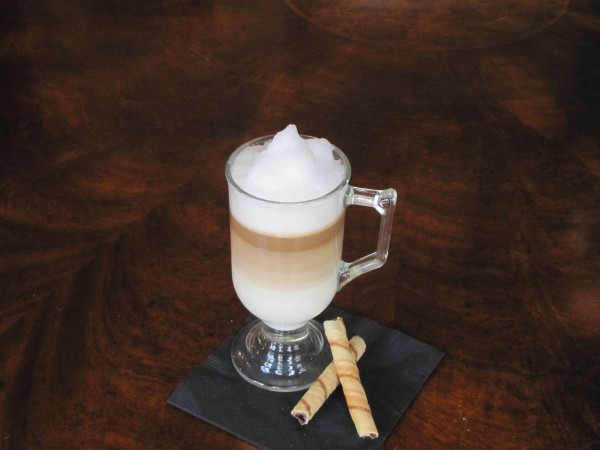 Budget Barista Series: Latte Macchiato-bringingeuropehome.com