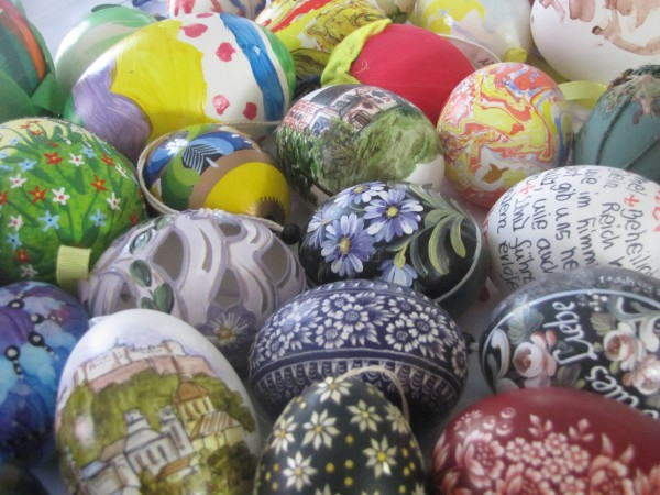 The Art of the Easter Egg--www.bringingeuropehome.com