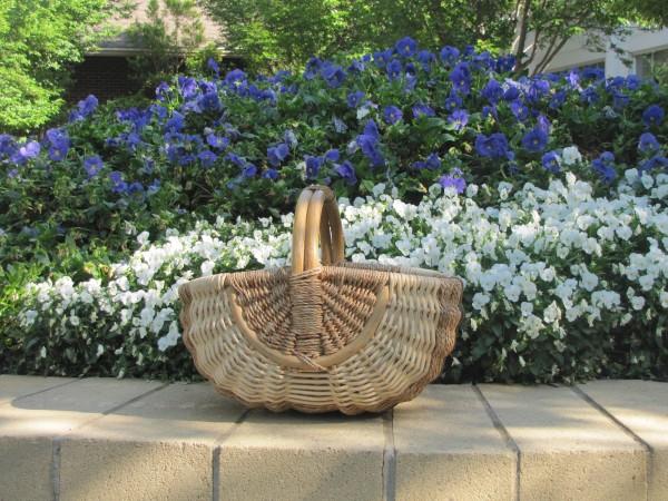 A tisket a tasket--www.bringingeuropehome.com